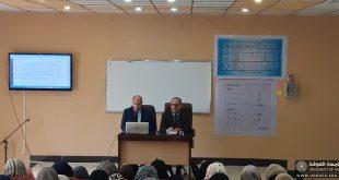 عميد كلية اللغات بجامعة الكوفة يلتقي طلبة المرحلة الأولى